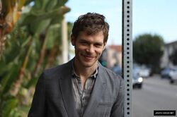 Joseph-Morgan-feb-2012-photoshoot-joseph-morgan-29438381-640-426