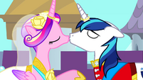 Cadance and Shining Armor post wedding kiss S2E26