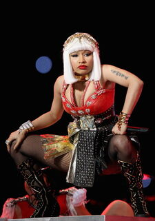 Nicki at superbowl