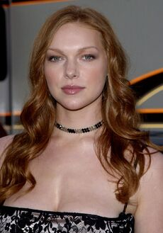 936full-laura-prepon