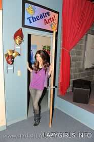 Victoria justice mica smith photoshoot on set of victorious 2011 jADmnKv.sized