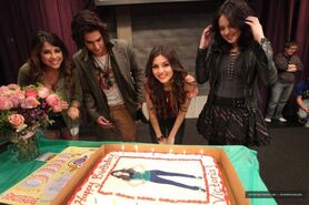 Victoria Justice On Set Of Victorious Surprise Birthday party-11-560x373