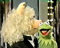 Kiss piggy kermit merv griffin