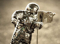 Mtv vma moon man
