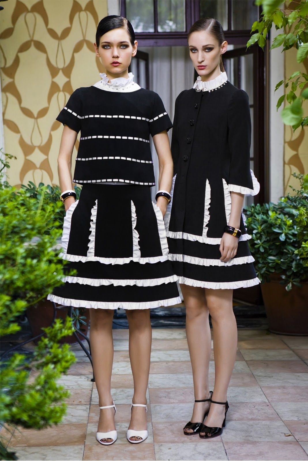 File:Moschino Resort 2013 Black dress.jpg