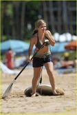 Normal jennette-mccurdy-hawaii-holiday-02