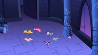 Main 6 ponies knocked out S1E2