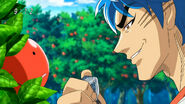 Toriko going to use Amplifier Stone on Surprise Apple