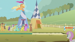 Applejack&#39;s long jump attempt S01E13