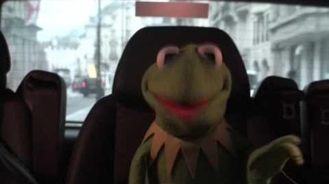 Kermit Answers Twitter about a Miss Piggy marriage... AskKermit 26 01 12