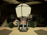Mechanist working on the air balloon