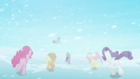 Main ponies escape to Crystal Empire S3E1