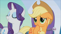 Rarity boasting over straw hat S3E2