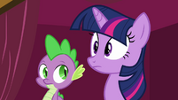Twilight pauses S3E03