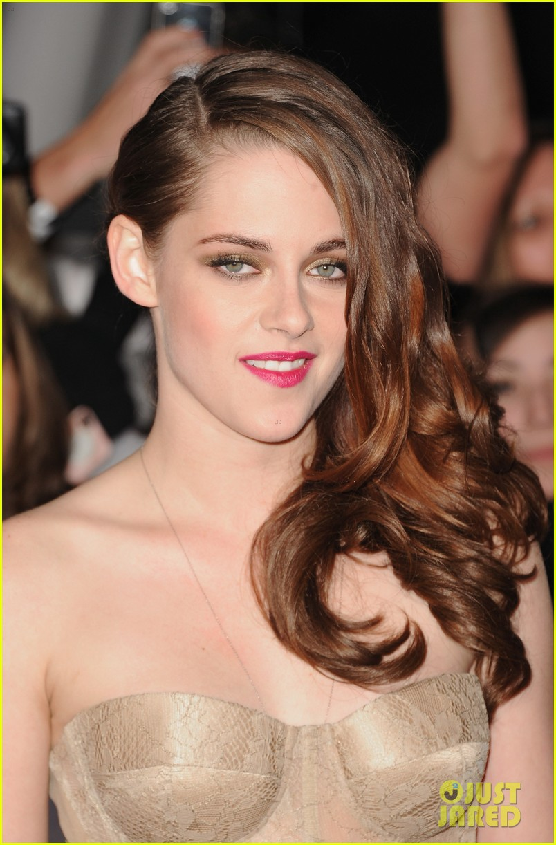 Kristen Stewart In Elle Magazine France November 2012: Twilight Saga Wiki