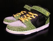 Mizzee-cell-dragon-ball-z-custom-nike-dunk-1