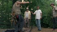 -Tell-It-to-the-Frogs-1x03-daryl-dixon-26236186-853-480