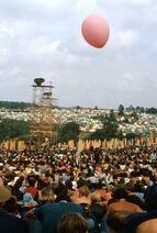 1969-08-16 16 Balloon and camp in distance