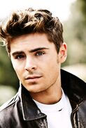 Zac-Efron-zac-efron-17011468-967-1450