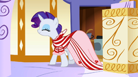 Rarity in a dress made by her S1E20