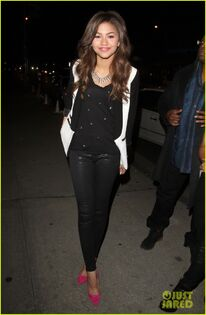 Zendaya-coleman--black-outifit