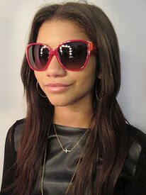 Zendaya-coleman-with-coolshades