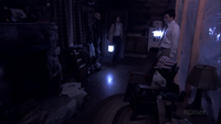 3x01 The Cabin Show (69)