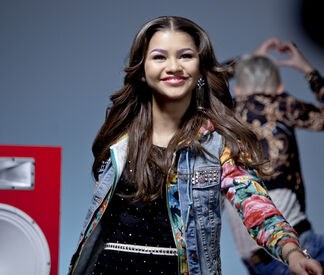 Zendaya2 med