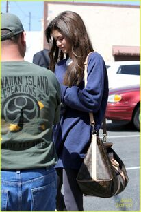 Zendaya-coleman-blue-jumper