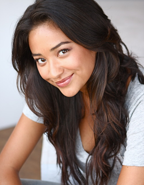 Shay Mitchell - Pretty Little Liars Wiki