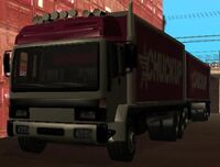 El Chuckup Road Train, y un trailer detrás.
