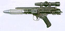 Modificar replicas a modelos de Warhammer 4000 - Página 2 250px-Ilm_dh17_blaster