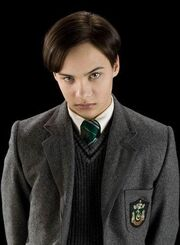 180px-Tom_Riddle_%2816_years_old%29.jpg